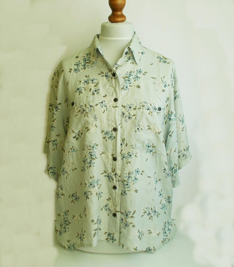 765ec1d17332 Floral Silk Top Vintage Silk Blouse Silk blouse Floral silk