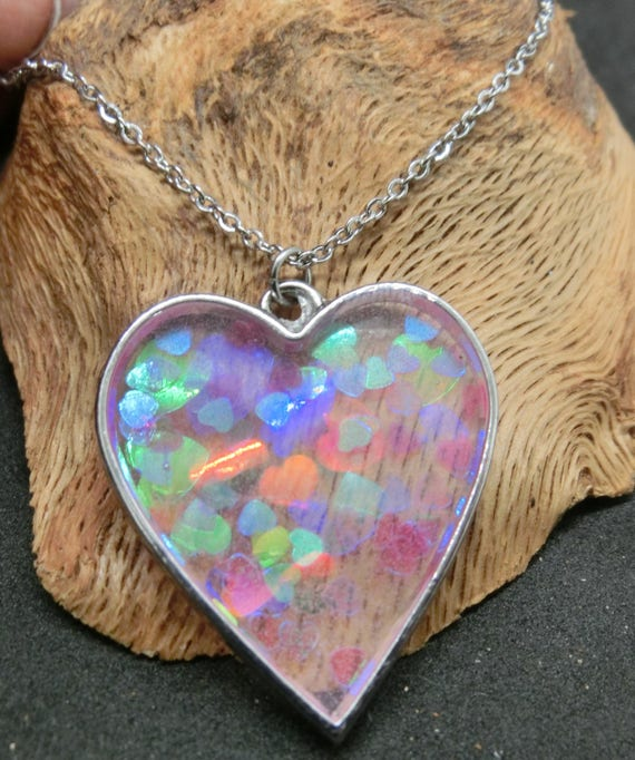 Diffusion Resin Necklace Resin Art Heart Necklace Valentine/'s Day Gift Heart Jewelry Blue Heart Resin Pendant Fluid Resin Necklace
