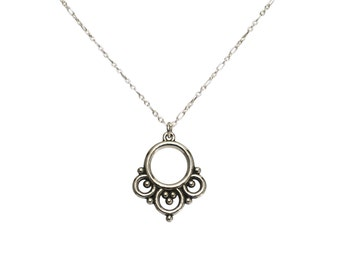 Sterling silver necklace with oriental-style grains