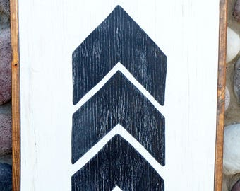 Chevron Arrow - Farmhouse Sign