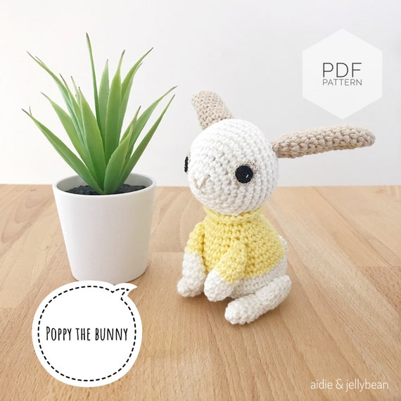 Long Eared Bunny Amigurumi - Crochet Pattern & Tutorial - Creativa ... | 570x570