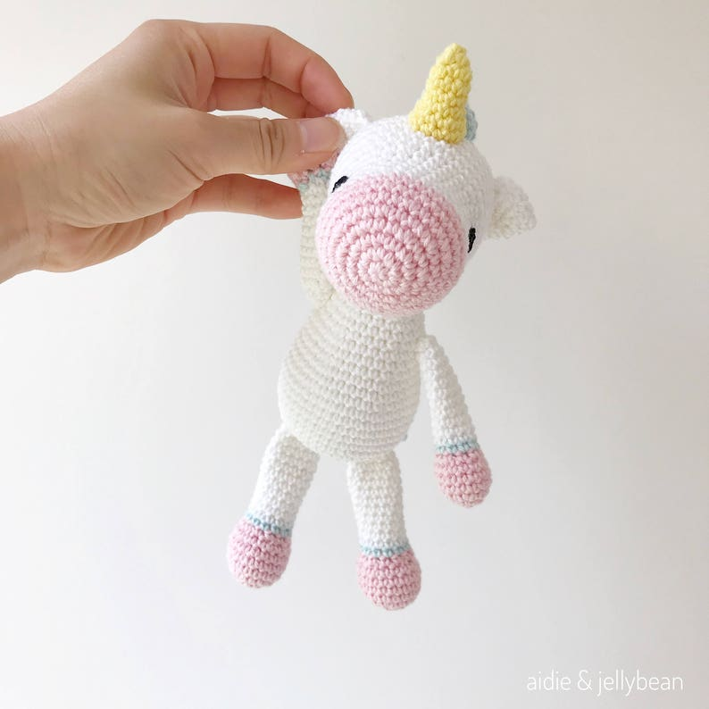Amigurumi |How to make Unicorn Keychain Tutorial - YouTube | 794x794