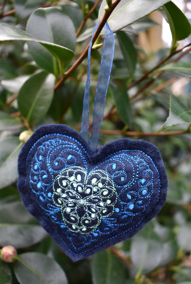 Curly Heart 1