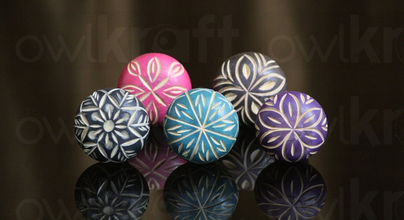 Set of 5 colorful handmade wooden Knobs for Cabinet knobs Dresser Drawers nobs poign\u00e9es bois cabinet pull perillas boutons OWKS001