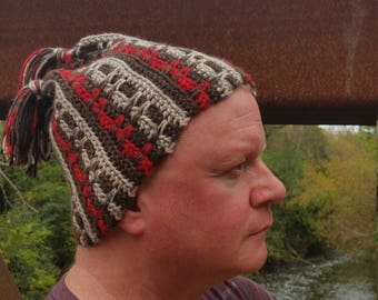 Red-ish Touque, Eh?!