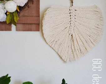 Macrame Feather Leaf Wall Hanging, Boho Wall decor, chabby chic style, natural Farmhouse decoration, Trendy home, Macrame handmade style