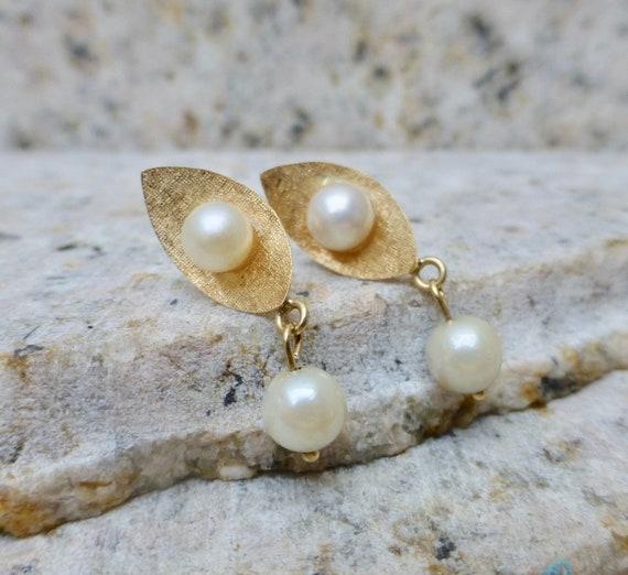 Vintage Pearl Earrings, Pearl Dangle Earrings, Mid