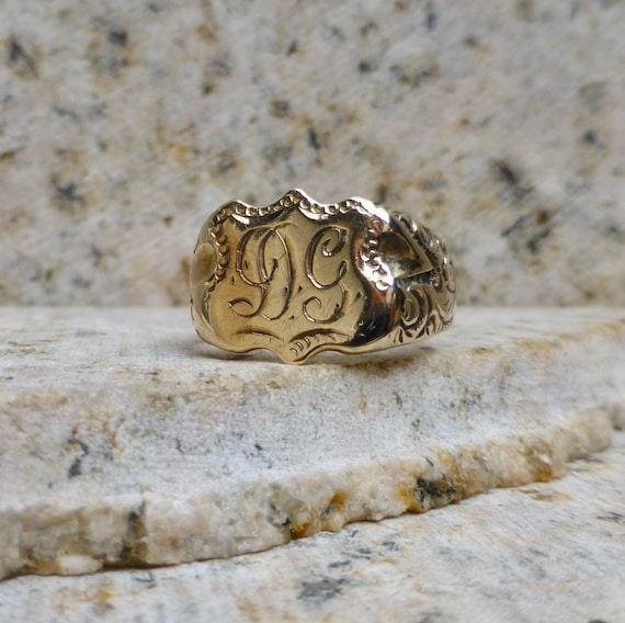 Victorian Gold Signet Ring, Antique Signet Ring, V