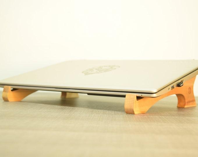 UMI -  laptop stand