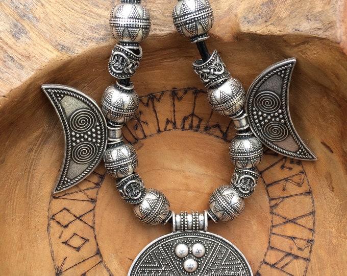 Viking Pendant necklace , Hangeroc necklace, creating a Norse stunning pendant ~ᚼ Þrír Máni Necklace ᚼ~