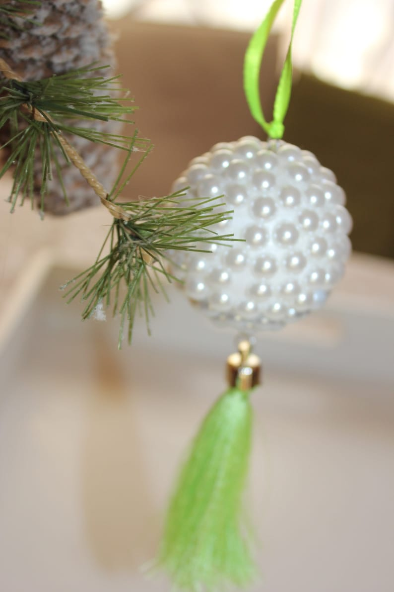 Christmas Tree Ball Ornaments Pearls And Green Silk Tassel Elegant Christmas Ornaments Gift Friends Little Holiday Gift