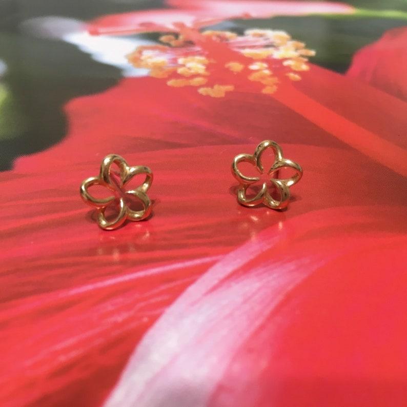 14KT Solid Yellow-Gold Plumeria Stud Earring Charming Floating Hawaiian Plumeria Earring E5401 Valentine Birthday Wife Mom Gift Island