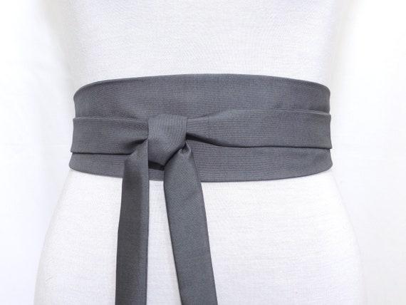 SOIE grise MATE Haute Couture Ceinture Obi Ceinture a nouer   Etsy 6bf9ada733d