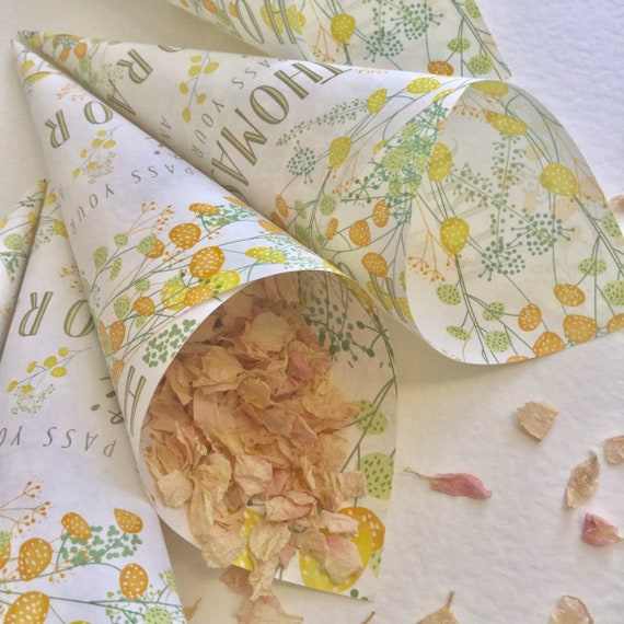 CONFETTI Cones ready rolled or roll yourself | Can be PERSONALISED with your names  | Yellow Floral Summer or Spring Wedding | Matching SIGN