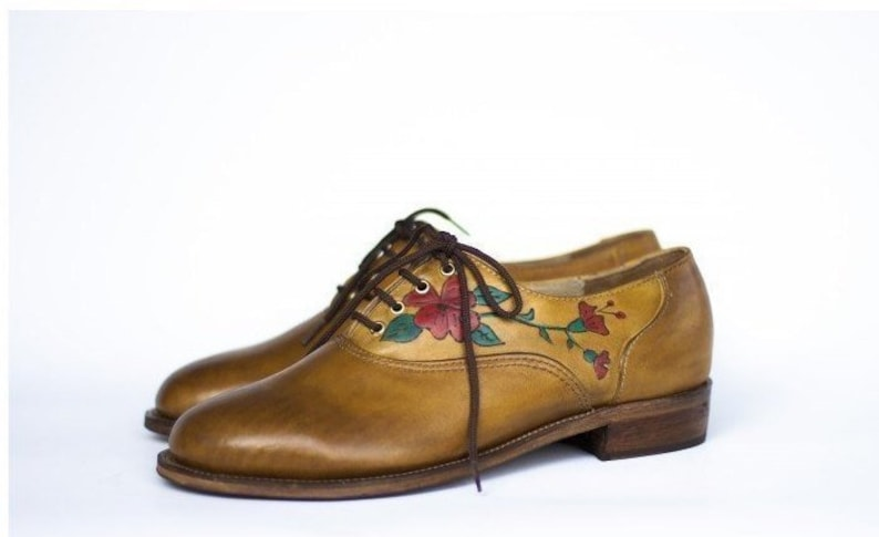 3d8237b35e8f Ladies Oxford shoes Handmade painted Leather shoes with