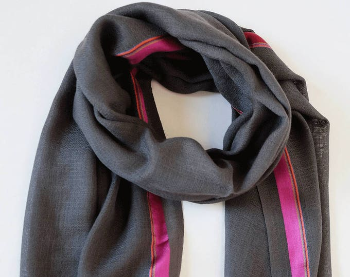 Gompa Gray - wool shot with colorful silk stripes