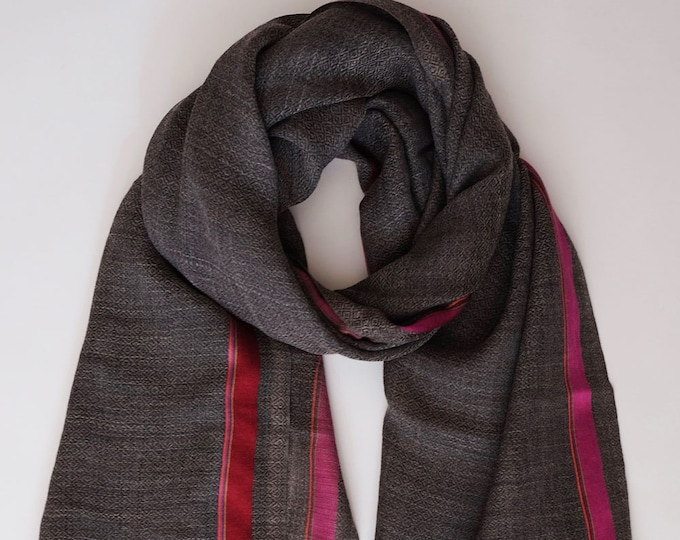 Gompa Grey- Natural undyed wool with colorful stripe