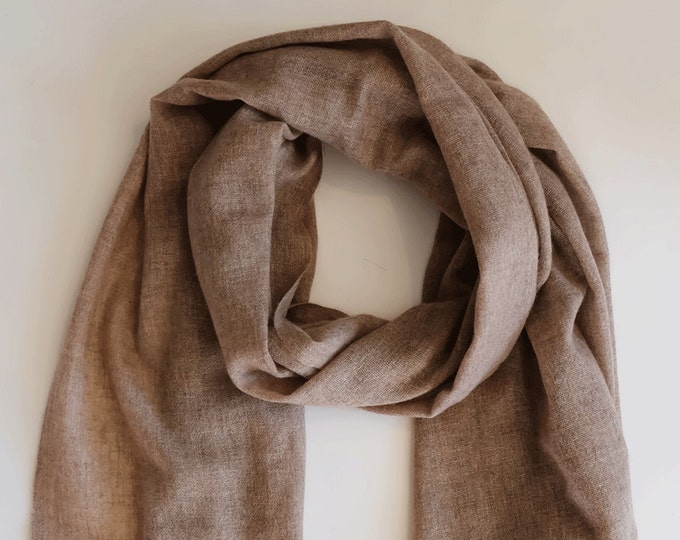 Perfect cashmere scarf, soft and cozy, mink coloured,  light weight.