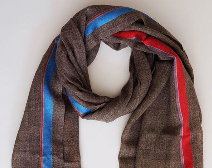 Gompa earth- Natural undyed wool with colorful stripe