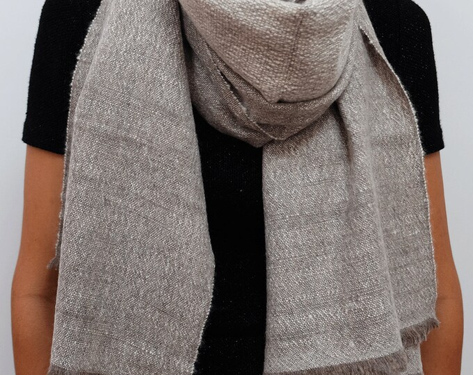 Luxurious, thick and cozy shawl, hand spun and hand loomed natural cashmere - Stone