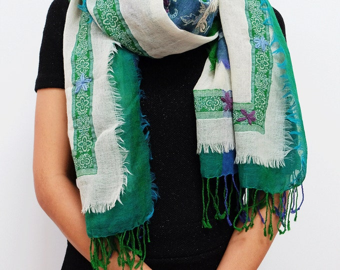 Bohemia - triple layered wool shawl with embroidery, Emerald