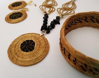 35946efddeb7 Conjunto collar pendientes y pulsera de Oro Vegetal   Golden Grass   Hierba  dorada   Capim Dourado Brasil   Boho Chic   Unico y Exclusivo