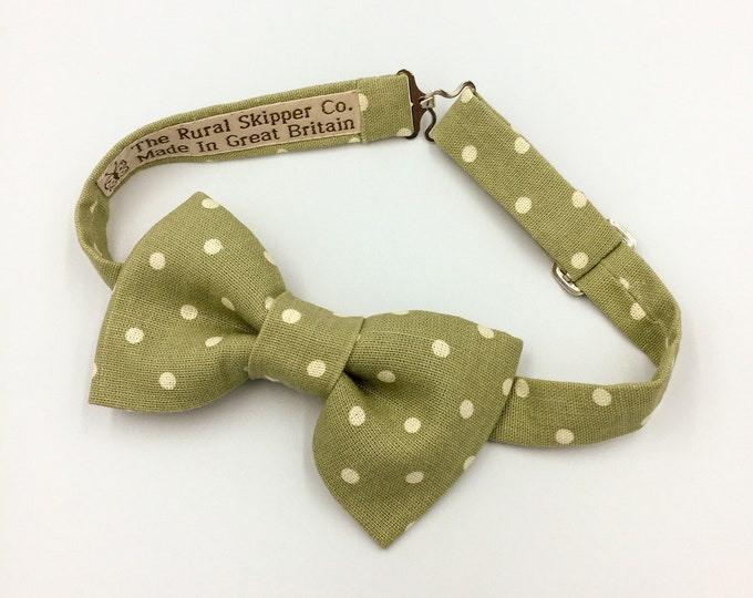 Pale green spotted bow tie, cotton bow tie, vintage wedding bow tie.