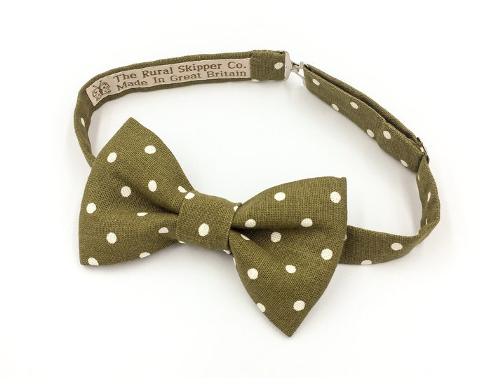 Olive green spotted bow tie, green and cream spotted bow tie, cotton bow tie, vintage wedding bow tie, groom's bow tie