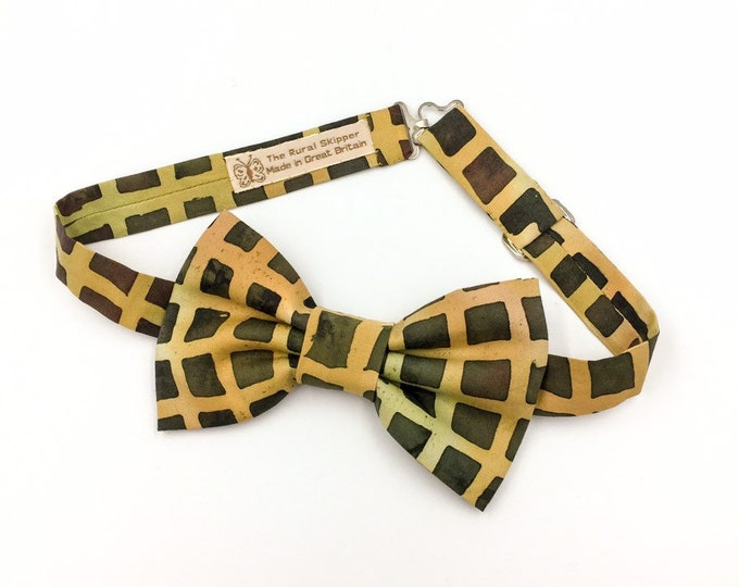 Green printed cotton bow tie, green bold printed bow tie.
