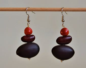 Natural Earrings: courbaril seeds and journal, red bean