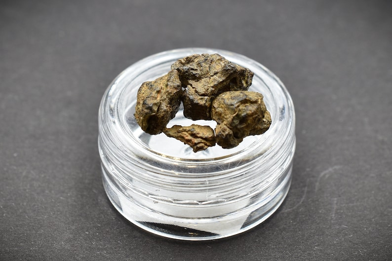 Saharan Desert Space NWA Stony Meteorite 3 g Ordinary Chondrites Great for Collectors Amazing gift design statuette NonCom
