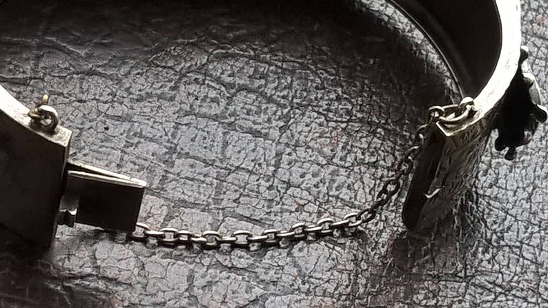 Antique 1900/'s Silver Plated Hand-Engraved Belt Buckle Additional Secure Chain Oval Bracelet