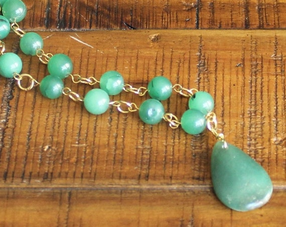 Green Aventurine Stones and Pendant with Gold Necklace
