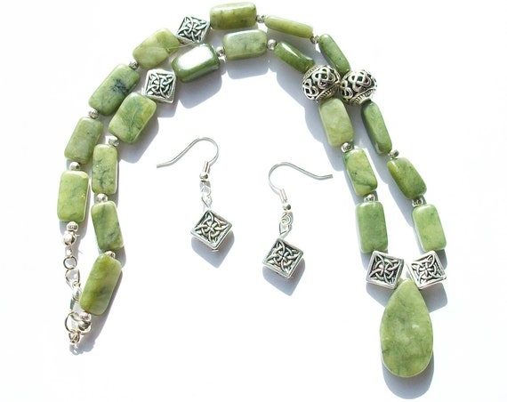 Serpentine Stones Necklace and Earrings Set