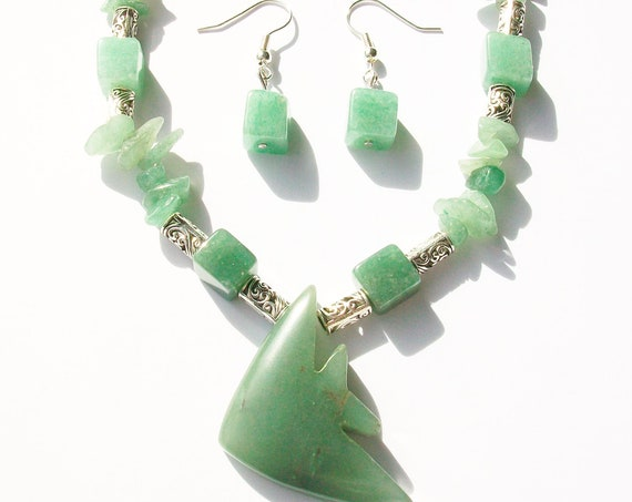 Aventurine Stones & Silver Necklace with Earrings Set