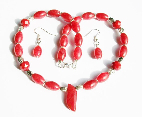 Red Quartz Necklace and Earrings Set