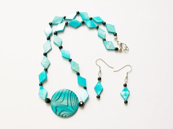 Blue and Black Shell Necklace and Earrings Set