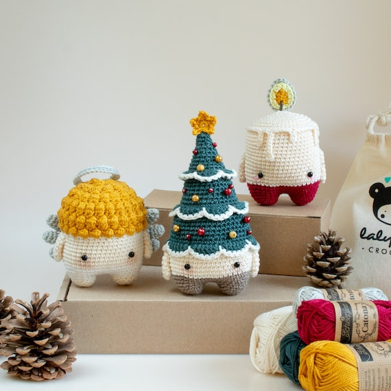 X-MAS Crochet Kit lalylala 4 seasons amigurumi: Christmas Tree, Candle, Angel, material set, festive Winter decorations, DIY