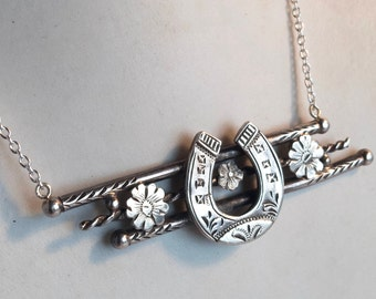 Antique Silver good luck horseshoe Necklace