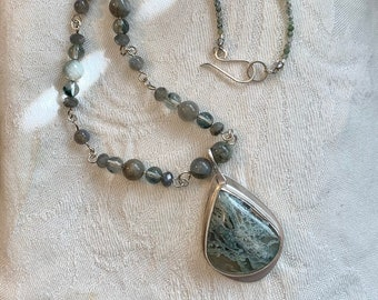 Large agate pendant necklace - statement necklace - short gemstone choker style necklace - earthy jewelry for women.