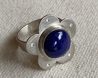 Blue lapis lazuli flower ring - size 8 1/4 - big flower cocktail ring - whimsical statement ring - recycled silver and blue gemstone ring