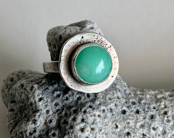 Sterling silver and chrysoprase size 8 ring - statement ring - round, green gemstone jewelry for men and women.