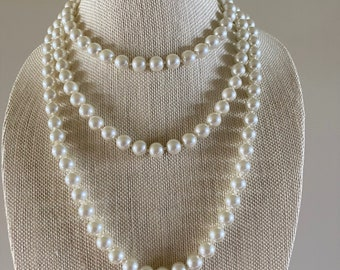 Art Deco Mother of Pearl Flapper Necklace