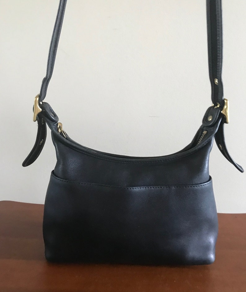 4c4524ff6a Vintage COACH Small Crossbody Shoulder Purse Handbag Small
