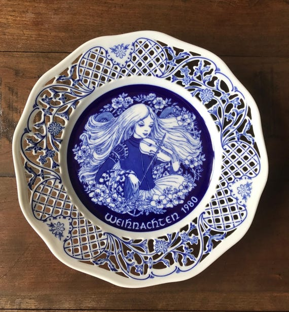 White Christmas In Germany.Vintage Germany Blue White Christmas Plate Shumann Imperial Christmas Plate 1980 Halleluja Marianne Stuwe Vintage Bavarian Wall Decor