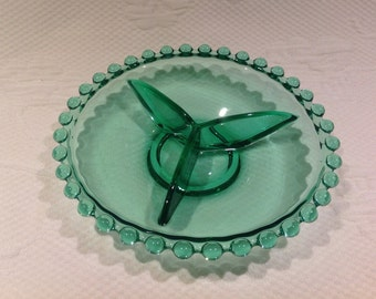 """Indiana Glass """"Candlewick"""" emerald green relish plate / / made in the United States"""