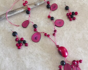 Fuchsia Organic Tagua Nut  necklace and earrings set. Eco-friendly, bio-degradable, organic, Peruvian handmade set.