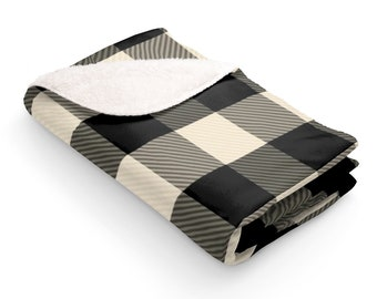 Sherpa Fleece Blanket: Black and White Plaid