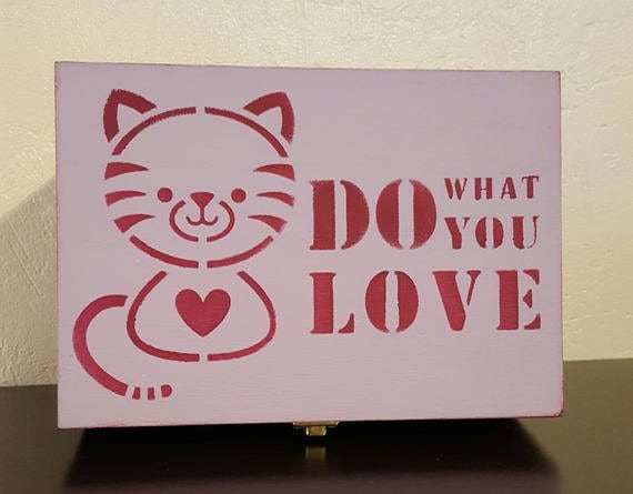 'Kitty' wooden tea box
