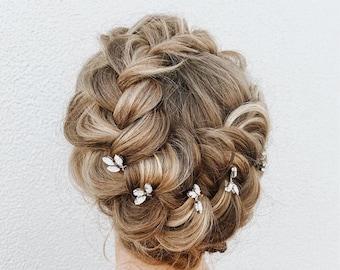 Gold leaf hair pin, Crystal leaf hair pin, Gold hair pin, Gold Hair vine, Gold bridal headpiece, Rhinestone hair pin